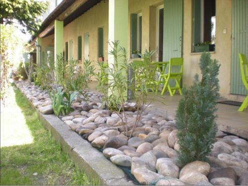 A au saint roch h tel et jardin albergo for Au saint roch hotel jardin