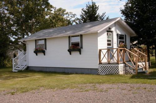 Carleton Motel & Cabins