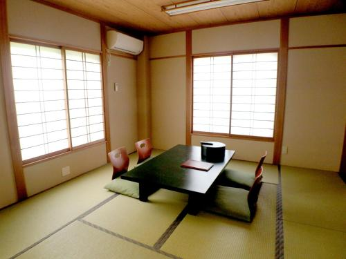 Japanese-Style Large Room