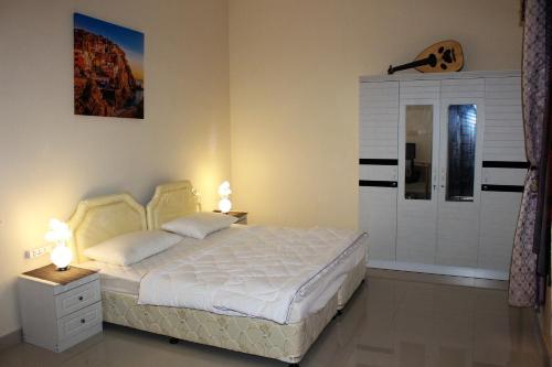 Aadil Room, 索哈尔