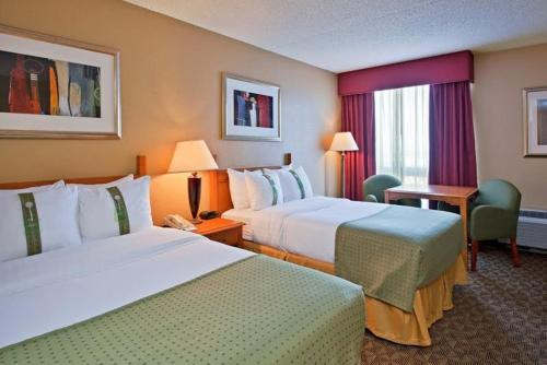 Book Now Radisson Hotel Tucson Airport (Tucson, United States). Rooms Available for all budgets. On motorway I-10 and providing free transfer service to Tucson International Airport, this Arizona hotel features an on-site restaurant along with spacious guestrooms and free