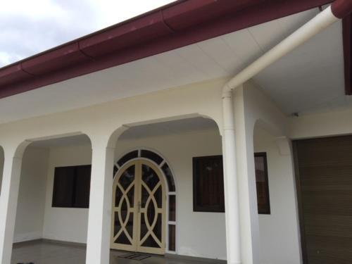 Twee onder 1 kapwoning in Morgenstond Paramaribo Noord, Paramaribo