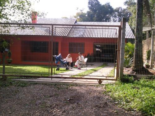 Casa de campo moranguinho de bom princípio