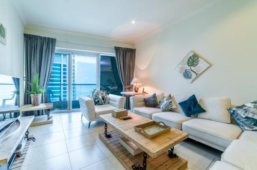 Hometown Apartments - 3BR Apartment in Dubai Marina, 迪拜
