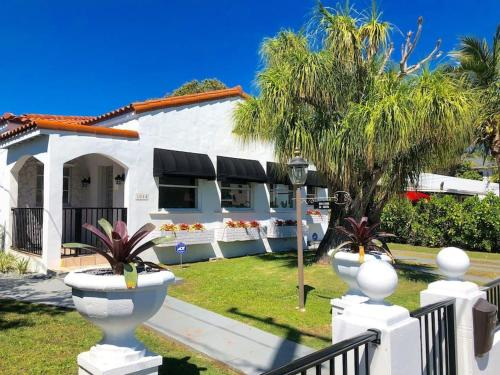 More about Casa Havana - 3BD/2BA Renovated Cottage in heart of Miami - Sleeps 6 - RCH301