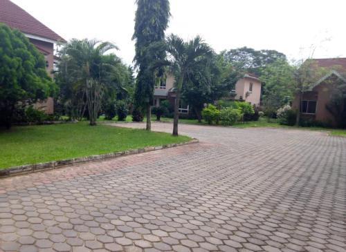 Three Palms, Ibadan