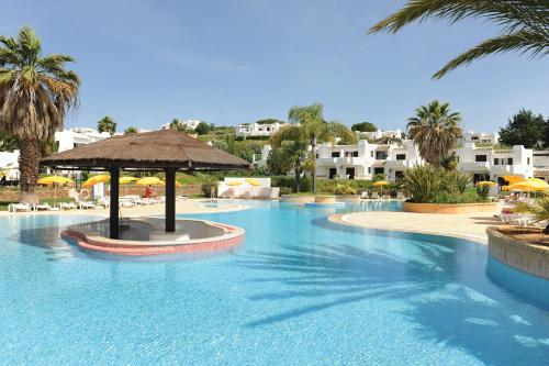 Отель Clube Albufeira Resort Algarve Apartamentos Turísticos 4 звезды Португалия