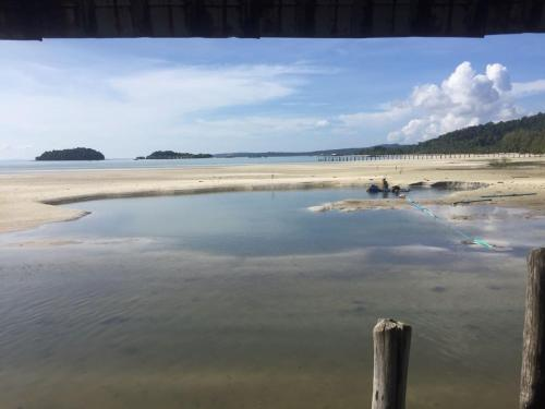 Firefly Guesthouse, Koh Rong Island