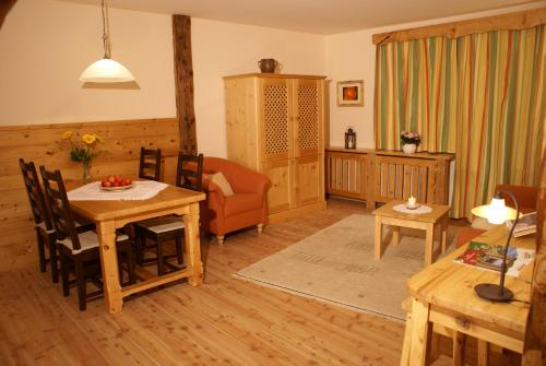Almenlandhof - Apartment mit 1 Schlafzimmer und Balkon