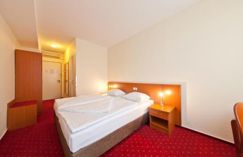 Novum Hotel Belmondo Hamburg Hbf photo 18