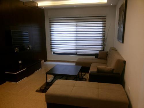 شقة للايجار مفروشة في عبدون, Ash Shumaysānī