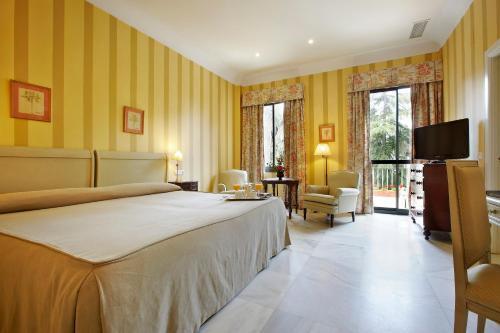 Habitación Doble Superior - 1 o 2 camas (1 adulto) Villa Jerez 3