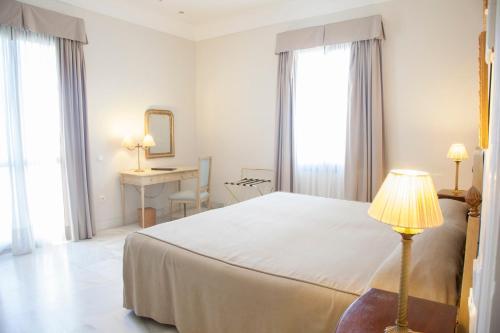 Habitación Doble Superior - 1 o 2 camas (1 adulto) Villa Jerez 4