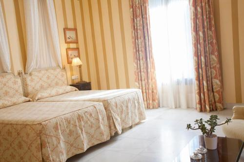 Double or Twin Room Villa Jerez 2
