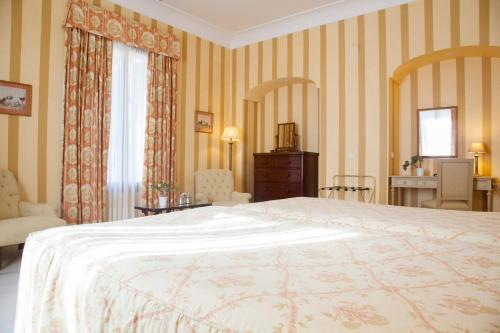 Double or Twin Room Villa Jerez 4