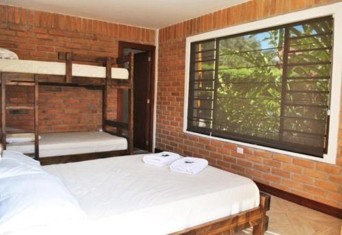 Live the Life Lodge: Quadruple Room 1