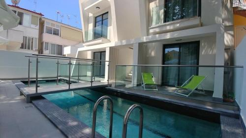 Dioni Luxurious & stylish apartment with swimming pool