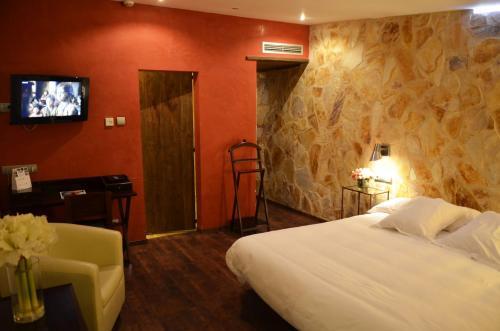 Superior Double Room with Terrace Hotel Galena Mas Comangau 7