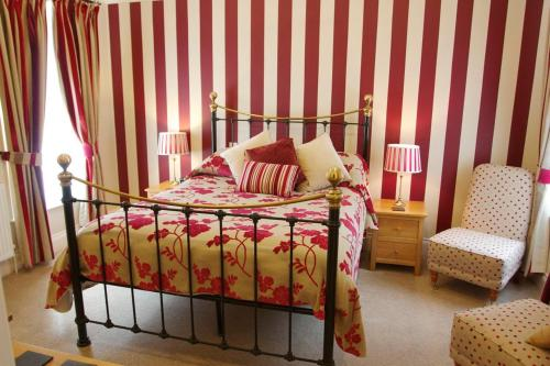 Photo of Chestnuts House Hotel Bed and Breakfast Accommodation in Bath Somerset