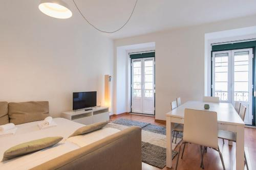 Trendy LX Factory & Docks Apartment, Lissabon