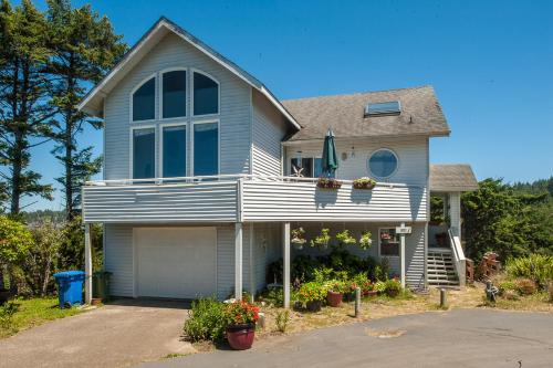 Berry Nice Beach House Home