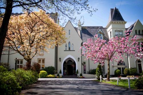 Glen-Yr-Afon House Hotel