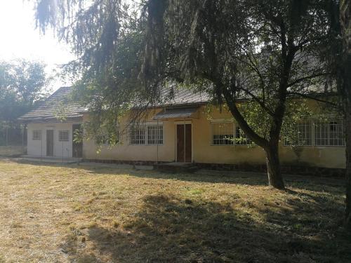 Hungarian Country House, Koppányszántó