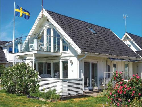 Three-Bedroom Holiday Home in Klovedal, Klövedal