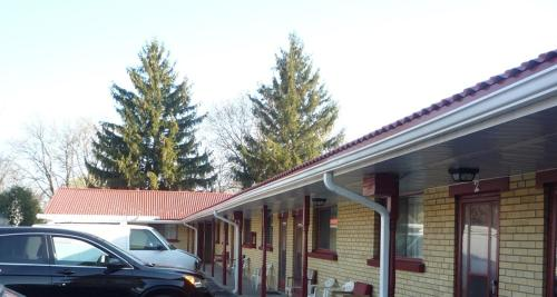 Royal Motel Customer Reviews 843 Dundas St W Map Hotel Within 30 Kms Of Bowmanville Harbour Conservation Area