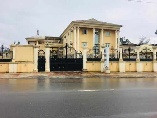 Feligold Royal Hotel Benin, Etete