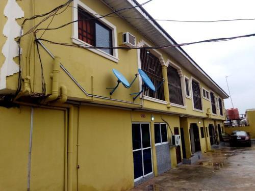 Wadoe Hotels