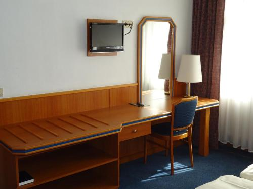 Hotel und Rasthof AVUS photo 37