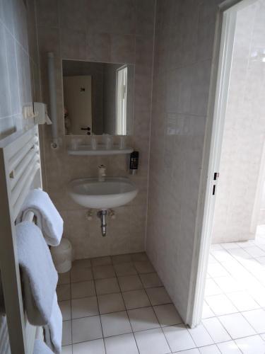 Hotel und Rasthof AVUS photo 16