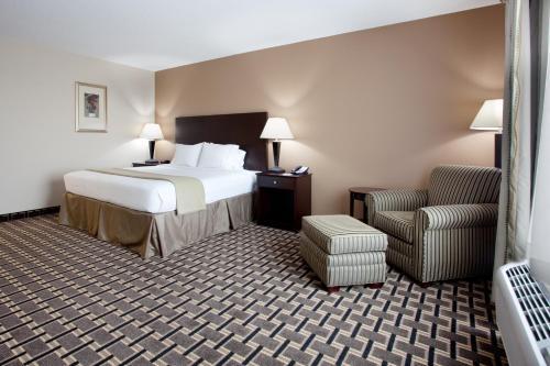 Holiday Inn Express Pembroke