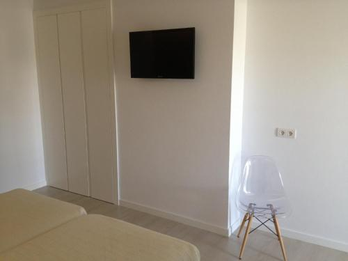 Double or Twin Room Hostal La Palma 3