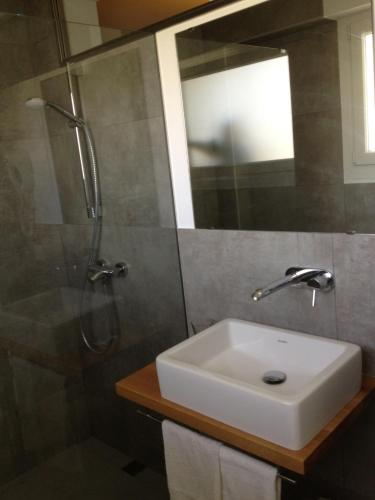 Double or Twin Room Hostal La Palma 4