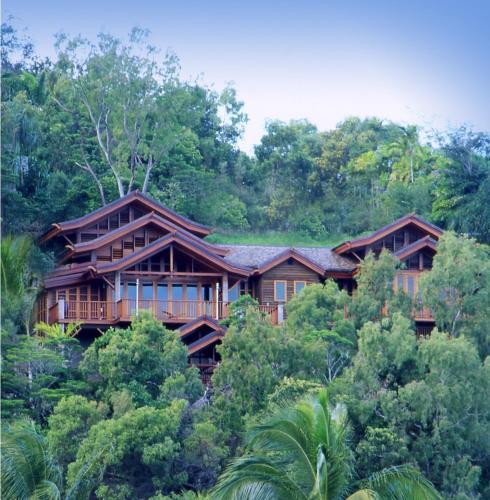 Villa Empat Puluh Dua