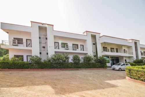 Aashirwad Guest House, Satna