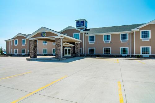 Cobblestone Hotel & Suites - Paxton