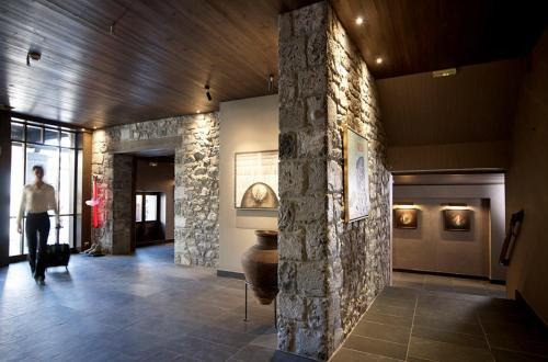 Art Mainalon Hotel