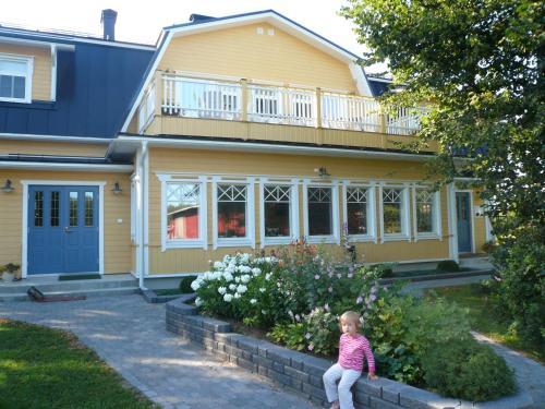Photo of B&B Lomamokkila Hotel Bed and Breakfast Accommodation in Savonlinna N/A