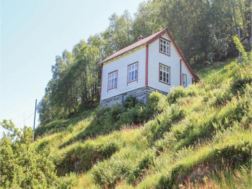 Three-Bedroom Holiday Home in Forde, Førde