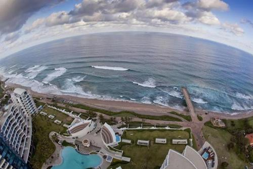 The Pearls-Fall in Love at Seaside, Umhlanga