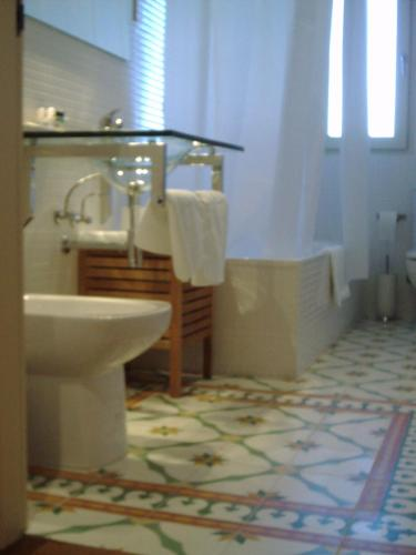 Double or Twin Room with Mountain View Hotel Santa Coloma del Camino 6