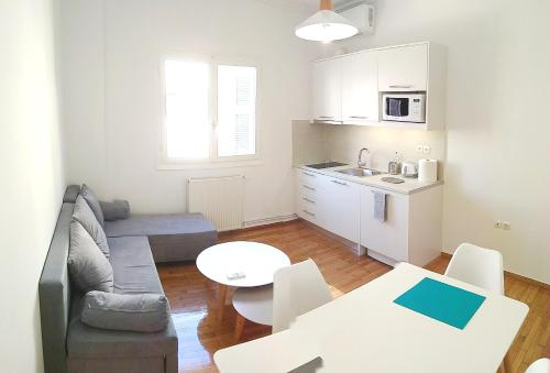 Renovated apartment close to metro - Acropolis View
