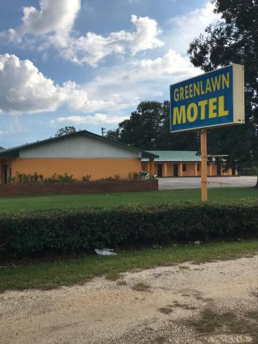 Greenlawn Motel