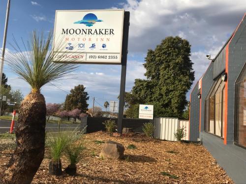Moonraker Motor Inn Motel