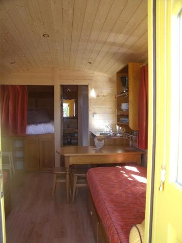 le domaine des tuileries location saisonni re 8 rue tuileries 77148 salins adresse horaire. Black Bedroom Furniture Sets. Home Design Ideas