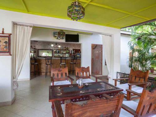 Wonderful Bed & Breakfast accommodation for 3 guests, Malindi