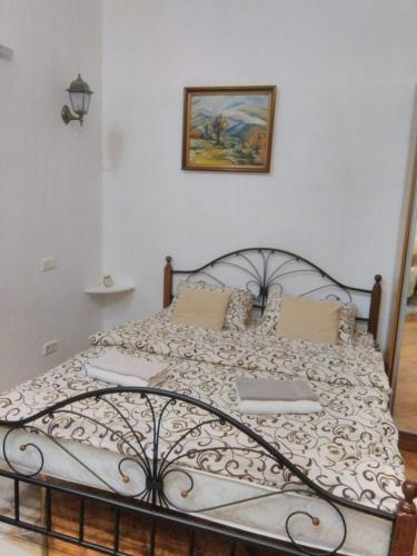 Apartment on Teatralna near Rynok square